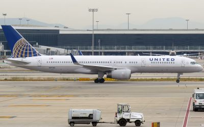 DOT Fines United Airlines $1.9 M for Holding Passengers on Tarmac Too Long